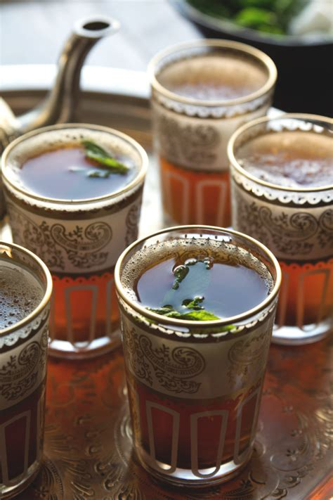 Drink Tea Like A Moroccan by How To Make Moroccan Mint Tea Honestlyyum