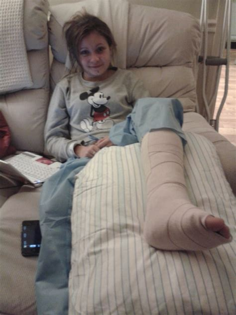 the story of a sophomore with a broken ankle