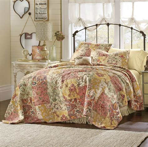 french country decor decorating ideas   bedroom