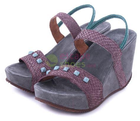 Platform Wedges Cs sandals xuz wedge brown salmon 40219 cs escapeshoes