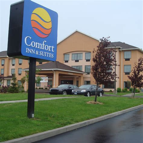 comfort inn farmington comfort inn suites farmington ny aaa com