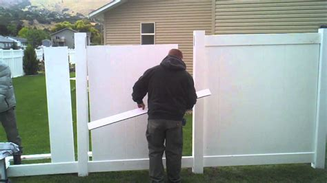 how to install a vinyl privacy fence how tos diy how to install a vinyl fence part 2 youtube
