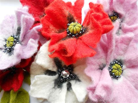 Handmade Felt Flowers Tutorial - felt poppy tutorial pdf tutorial how to make felted wool