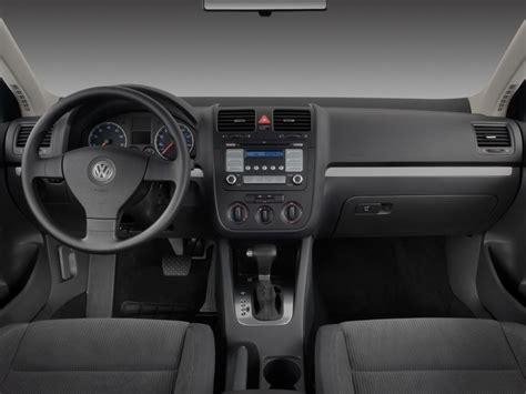 image  volkswagen jetta sedan  door auto  dashboard