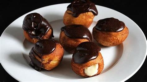 mini eclairs mini biscuit eclairs recipe from tablespoon