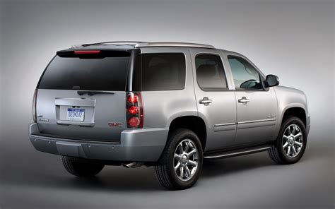 gmc denali 2012 2012 gmc yukon photo gallery truck trend