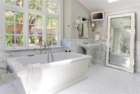hotels with oversized bathtubs 10 affordable ways to make your home look like a luxury hotel