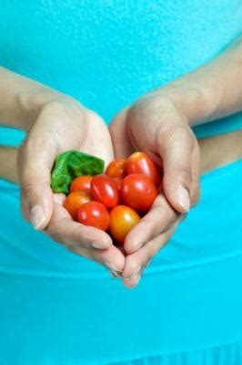 pomodori datterini in vaso coltivare i pomodori in vaso