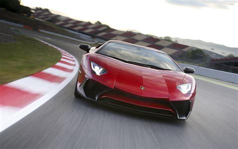 Lamborghini Aventador Racing Lamborghini Aventador Lp750 4 Sv On The Racing Track