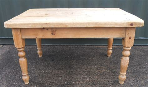 Farmhouse Kitchen Tables Uk Heavy Pine Kitchen Farmhouse Table Sold
