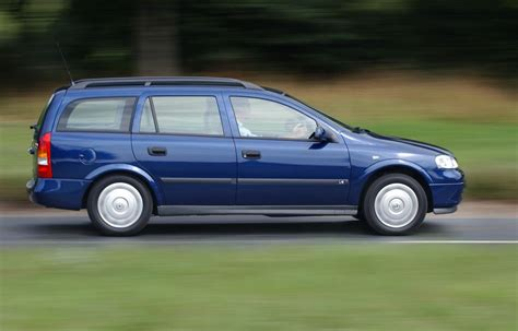 vauxhall astra estate 1998 2004 photos parkers