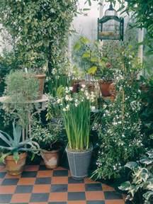 Winter Patio Plants Protecting Garden Pots During Winter Hgtv