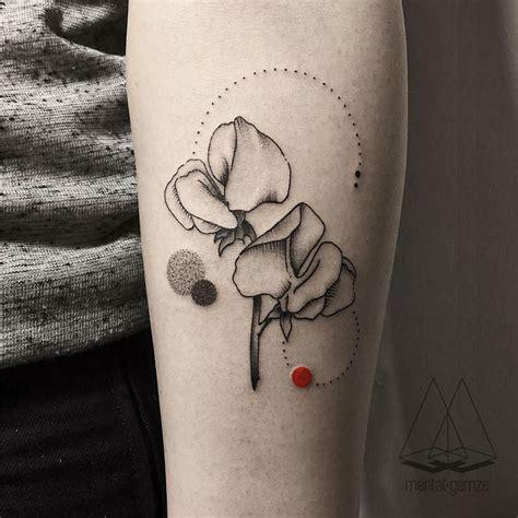 minimalist tattoo artists canada turkish artist creates amazing minimalist tattoos