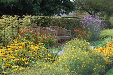 Englischer Garten Qm by Mu 223 E Zwischen Staudenpracht Gartenzauber