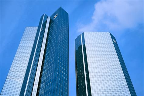 deutche bank de deutsche bank schickt roboter in den fondsverkauf