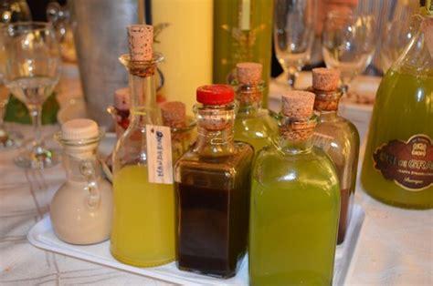 liquori da fare in casa liquori digestivi fatti in casa persichino e amaro alle erbe