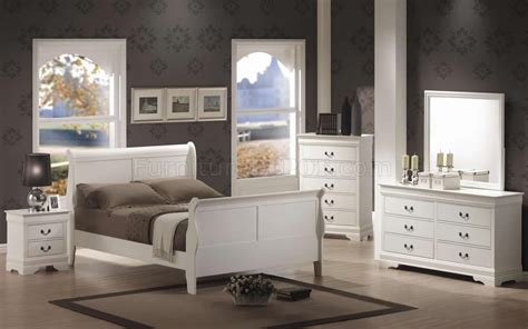 louis phillipe bedroom set louis philippe 204691 bedroom set in white by coaster w