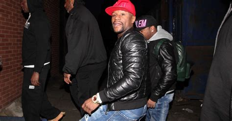 floyd mayweather bag ridiculousness floyd mayweather on the bar in newcastle or