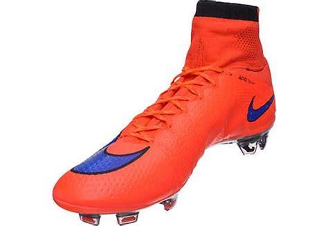 Nike Mercurial Superfly Fg Bright Crimson Flyknit nike mercurial superfly iv fg soccer cleats bright crimson and violet nike flyknit mercurial