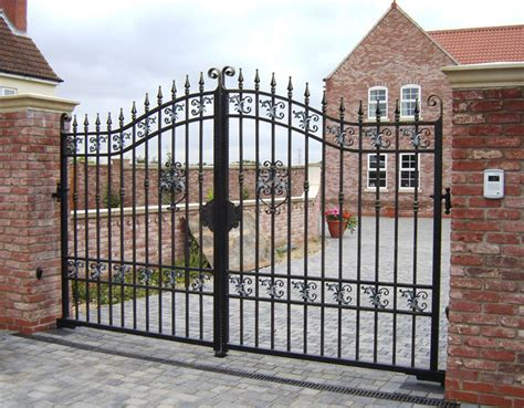 why steel gates are to homes and garden journal