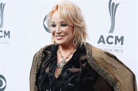 tanya tucker hospitalized with upper respiratory infection