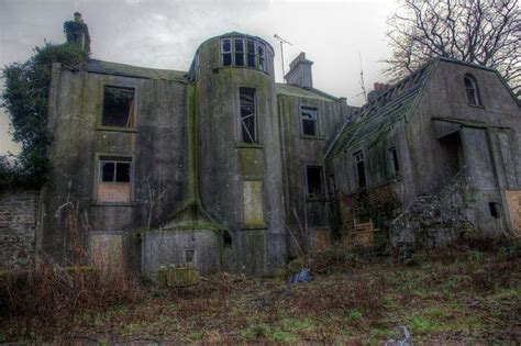 abandoned haunted house haunted house by d w j s this house is in travebank alongside the a92 just north of