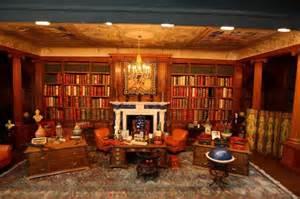 Bedroom Furniture Windsor Queen Mary S Dolls House Nicola Tallis