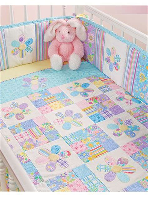 baby comforter patterns 25 best ideas about kid quilts on pinterest baby quilt