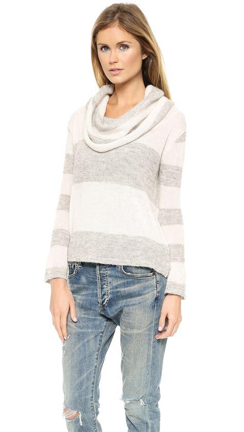 Tshirt Geeeight Gray Lulu lyst free lulu rugby stripe cowl sweater ivorygrey combo in gray