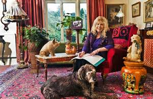 Livingroom Liverpool carla lane the liver birds and bread creator in the