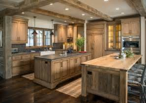 Kitchens With Dark Wood Cabinets by D 233 Coration Cuisine Campagne Accueillante Et Chaleureuse