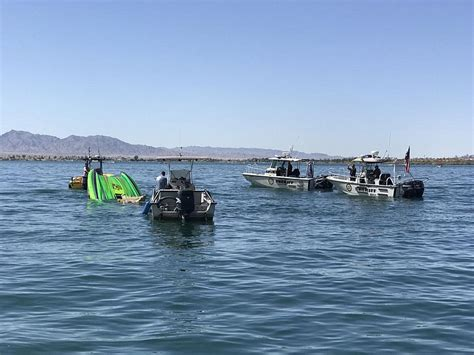 boat crash lake mohave 2 men killed in lake havasu boat crash woman critically