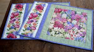 floral placemats quilted table mats by redneedlequilts