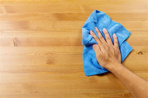 wipe clean table cloth 4 steps to cleaning sanitizing tables