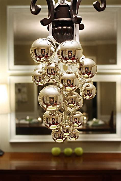 It S Written On The Wall See 7 Different Christmas Decorations For Chandeliers