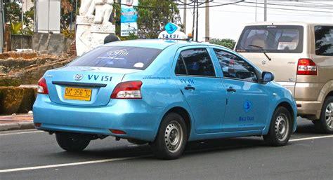toyota limo 2007 2013 toyota limo taxi photographed in kuta bali