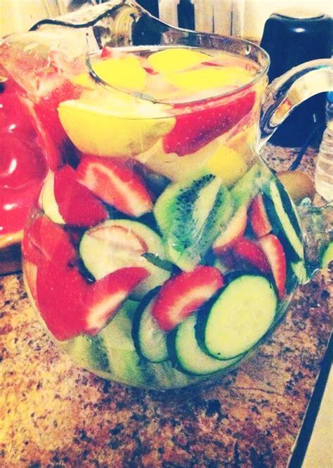 Cinnamon Strawberry Detox Water by Delicious Cinnamon Strawberry Detox Water Trusper