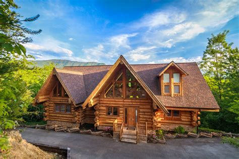 large upscale luxurious gatlinburg lodge leconte view