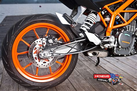 Ktm Duke Tyre Size Ktm 390 Duke Reviewed Mcnews Au