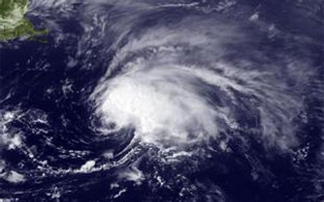 cyclone komen to make landfall in west bengal heavy rains