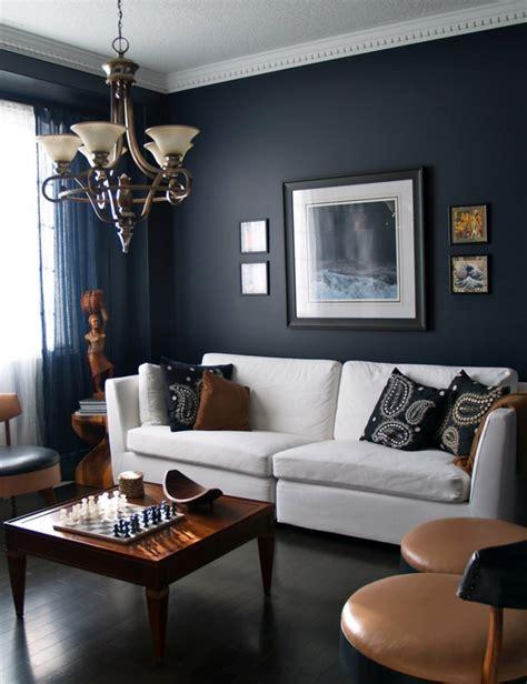sofa streichen w 228 nde streichen ideen in dunklen schattierungen
