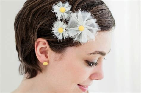 Wedding Hair Accessories Daisies by White And Yellow Inspired Wedding Hair Accessories