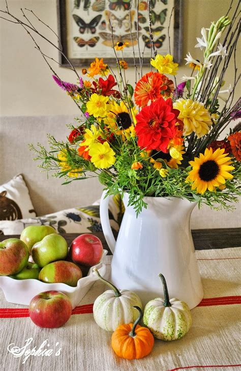 s fall in the dining room 5 easy fall centerpieces