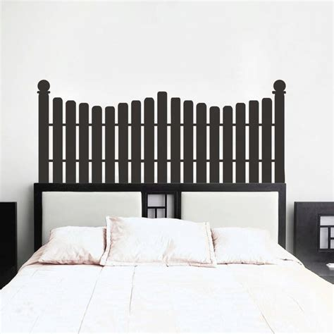 Picket Fence Headboard 25 Best Ideas About Picket Fence Headboard On Pinterest Fence Headboard Diy Headboards And