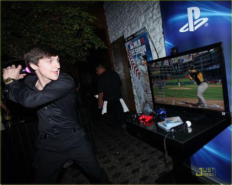 inside selena gomez s 20th birthday party details youtube inside mitchel musso s 20th birthday party photo 427007