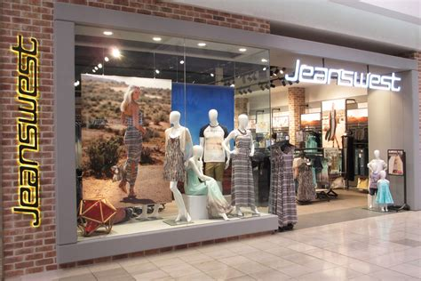 jeanswest opens at highpoint melbourne girl
