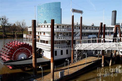 sacramento river boat hotel old sacramento california delta king hotel paddle