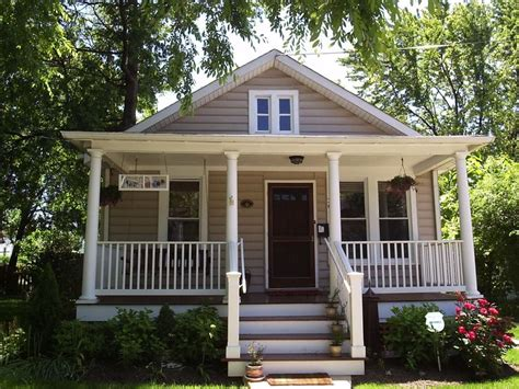 home design craftsman bungalow front porch home design bungalow tan white bungalows pinterest cute