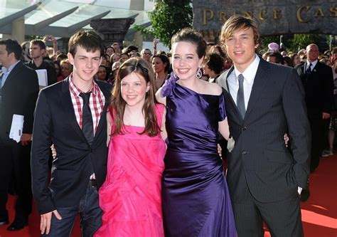 film narnia cast cast the chronicles of narnia photo 1602099 fanpop