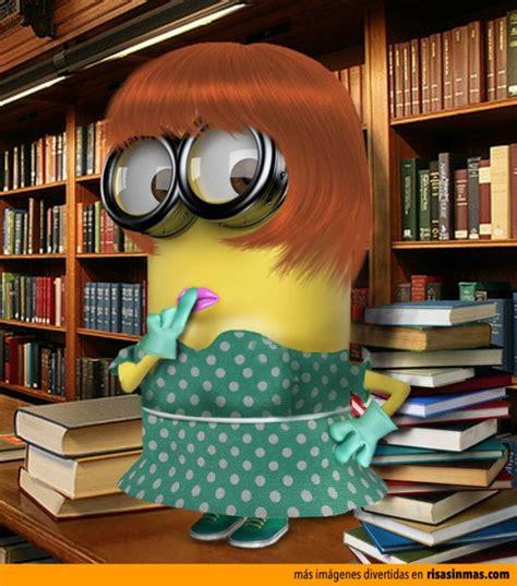 imagenes de minions leyendo minion bibliotecaria